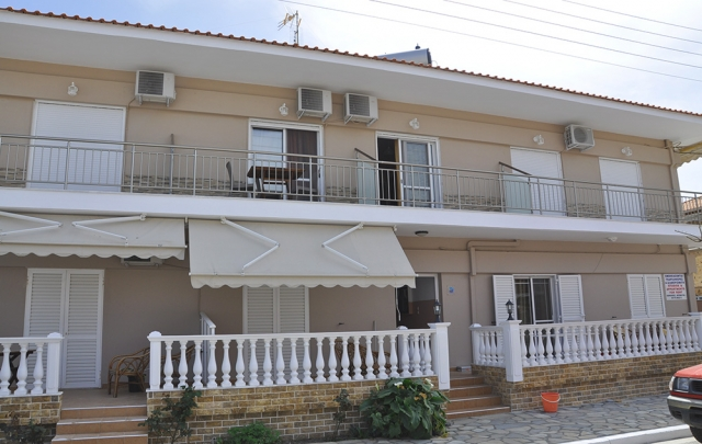 Vila ANESTIS, Sarti