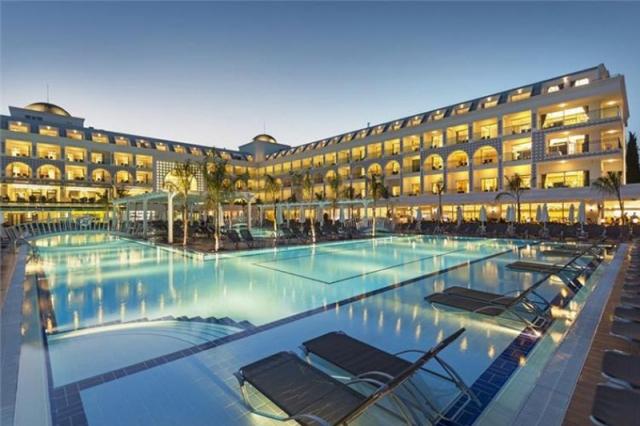 Karmir Resort & Spa 5*